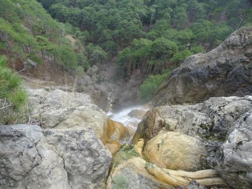 Наверху водопада Учан-Су.
